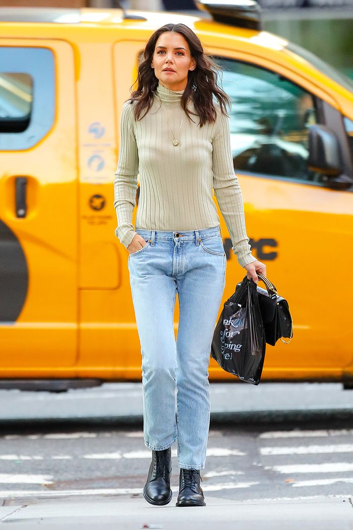 How Katie Holmes Is Styling Low Rise Jeans Who What Wear