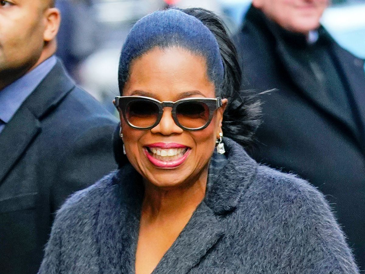 Oprah's Favorite Things Include My Dream Sneakers, Leggings, and Sweatshirt