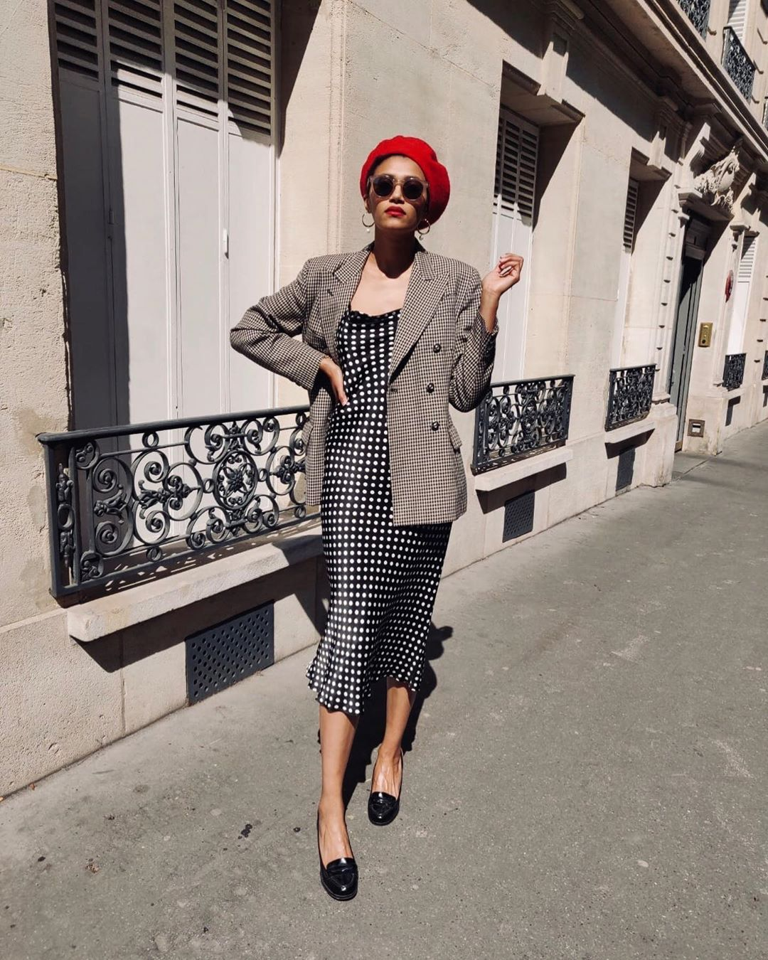 """6 French-Girl Spring Outfits That Are """"Basic"""" But Fashion-Forward 24"""