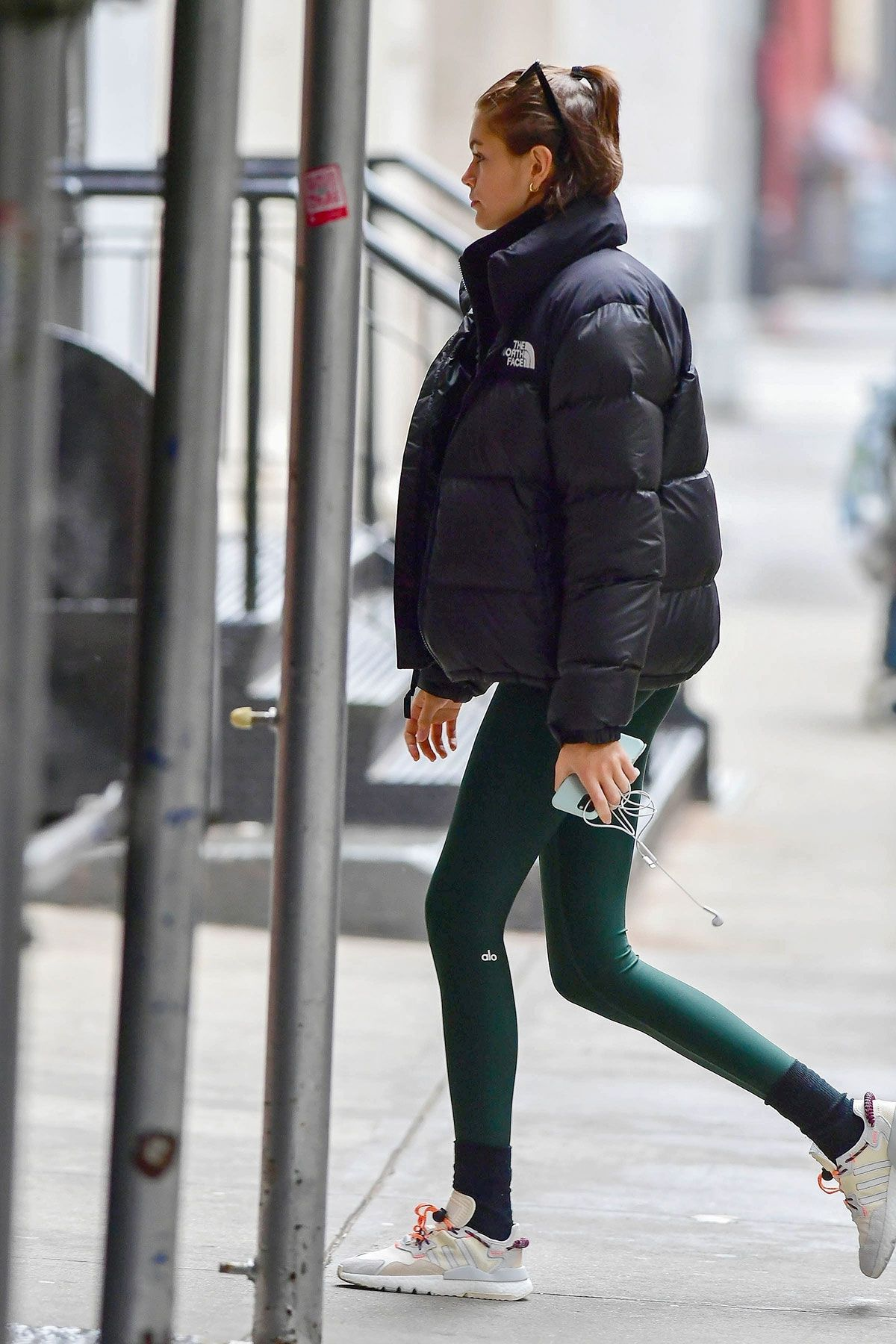 We'd Give Up Basic Black Leggings for These 6 Fresh Spring Trends 11