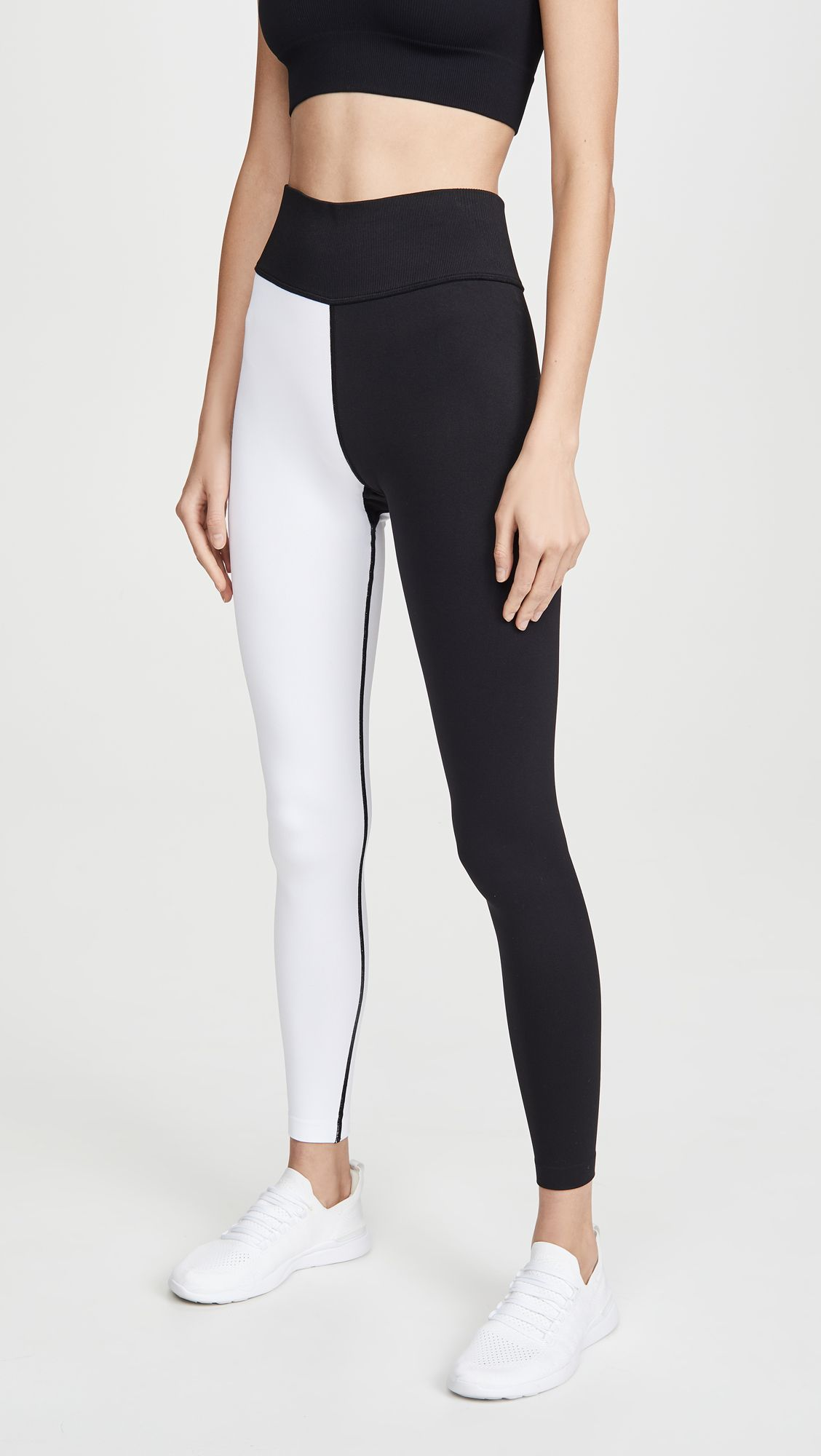 We'd Give Up Basic Black Leggings for These 6 Fresh Spring Trends 18