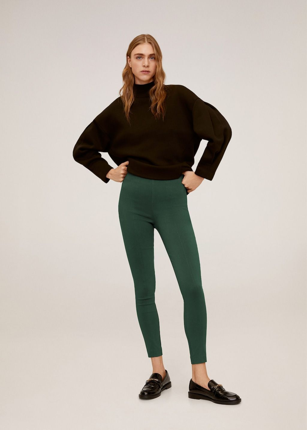We'd Give Up Basic Black Leggings for These 6 Fresh Spring Trends 13