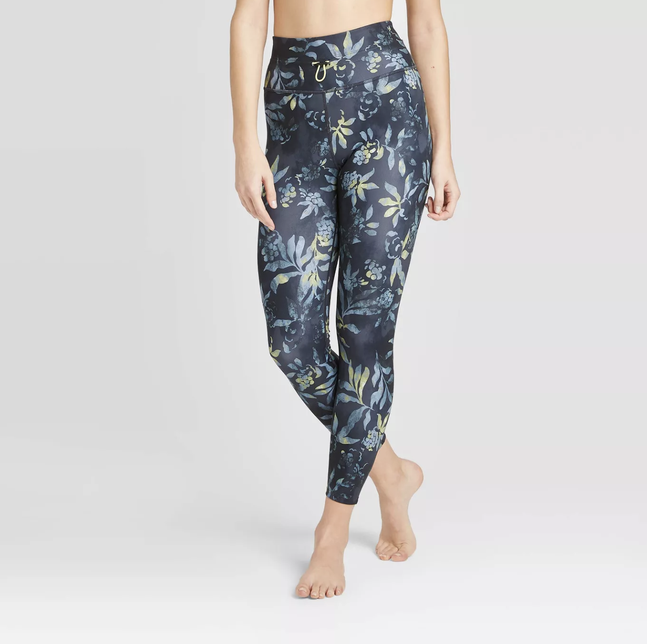 We'd Give Up Basic Black Leggings for These 6 Fresh Spring Trends 5