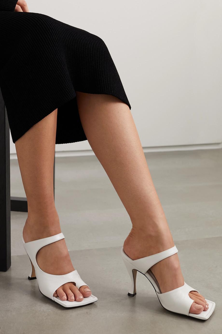 Emily Ratajkowski's Shoes Are Spring's Weirdest Sandal Trend 2