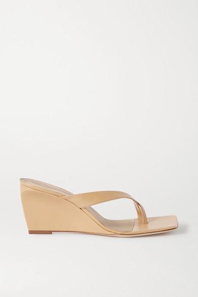 Emily Ratajkowski's Shoes Are Spring's Weirdest Sandal Trend 3