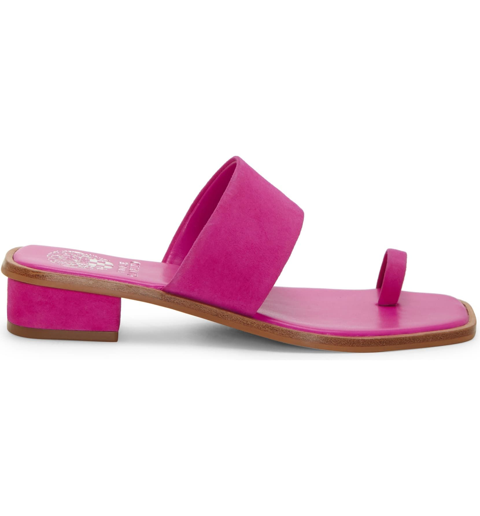 Emily Ratajkowski's Shoes Are Spring's Weirdest Sandal Trend 12
