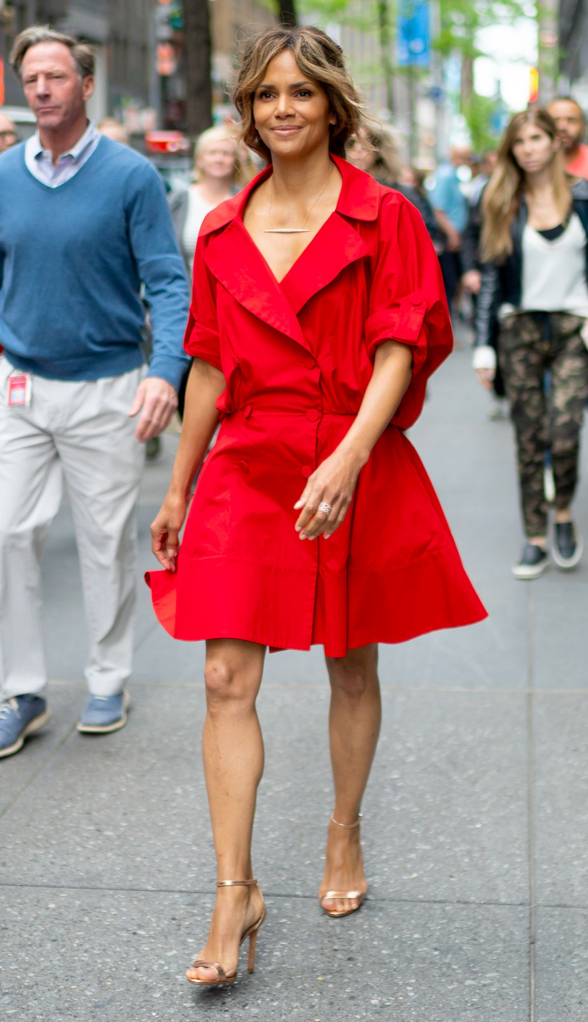 The Most Stylish Celebs Over 50, According to My Mom 19