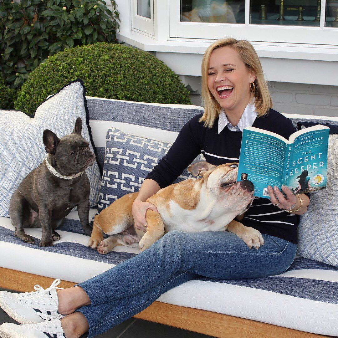 42 Photographs of Cute Pets (and Their Celeb Mother and father) That Are Making Us Smile 20