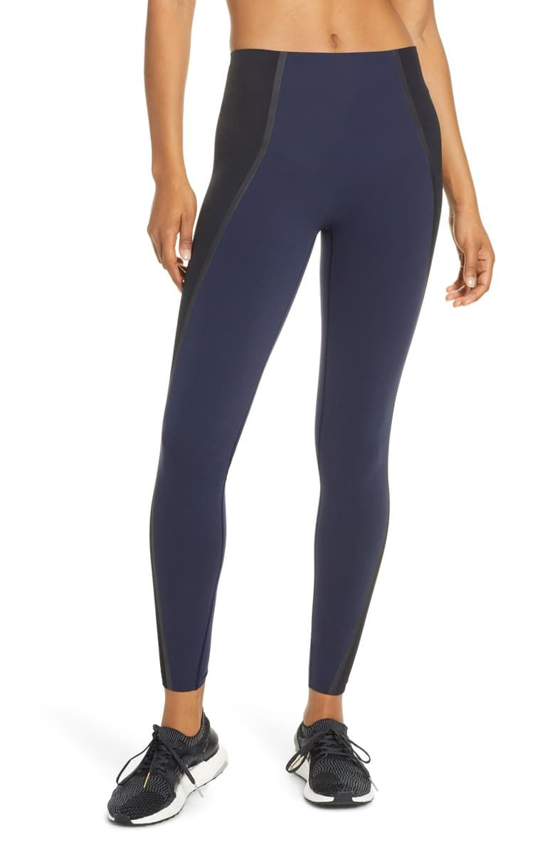 This Is the Most In-Demand Legging Brand Right Now 4