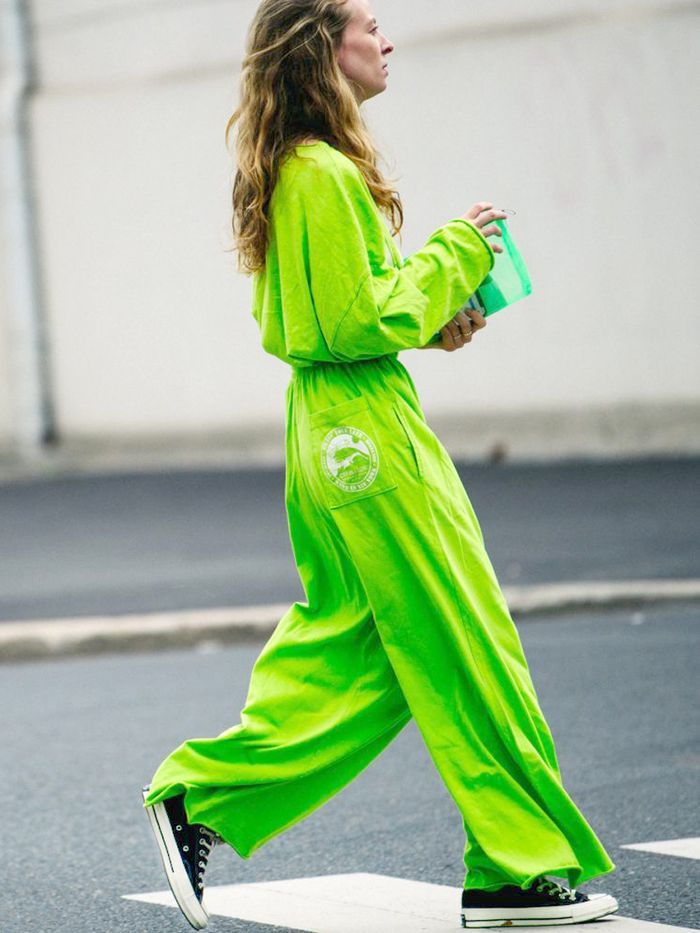 cdf757768e979e Casual Neon Pieces + Converse. Pinterest