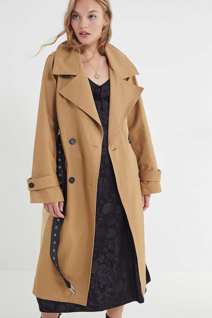 11 Fresh Trench Coat Outfits To Try This Fall Who What Wear