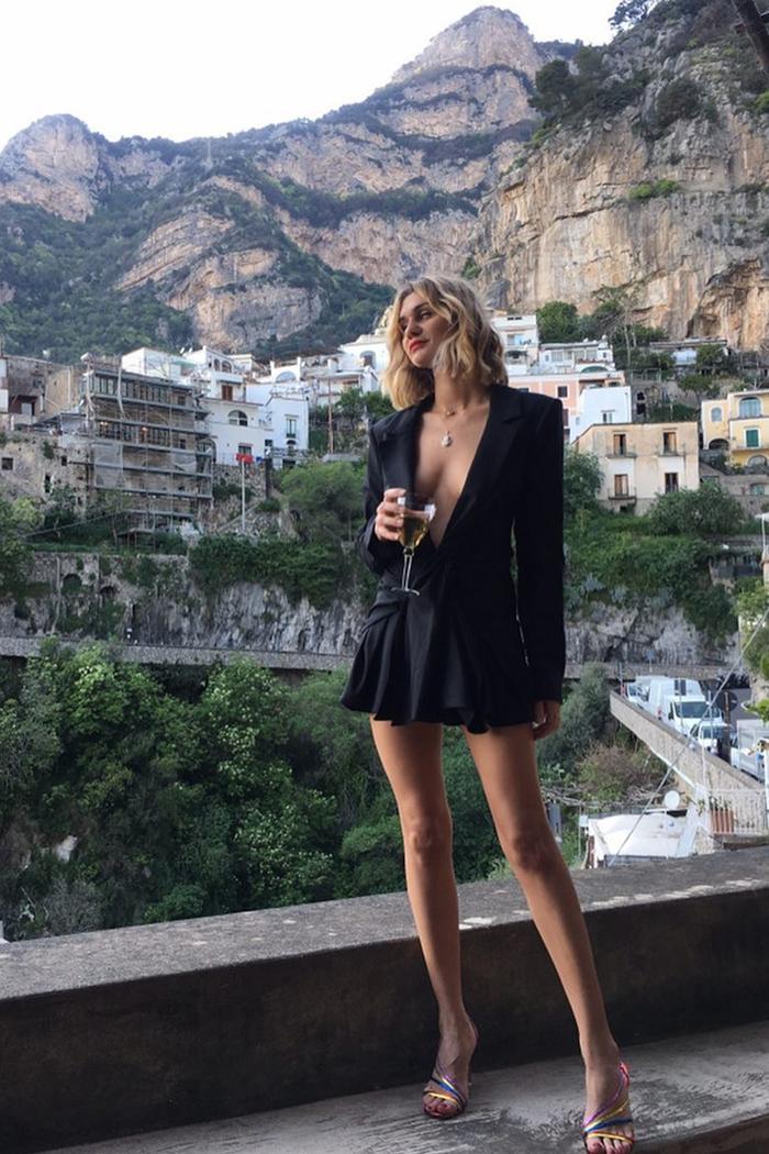 French Woman Wardrobe: 7 Style Rules French Women Always Follow