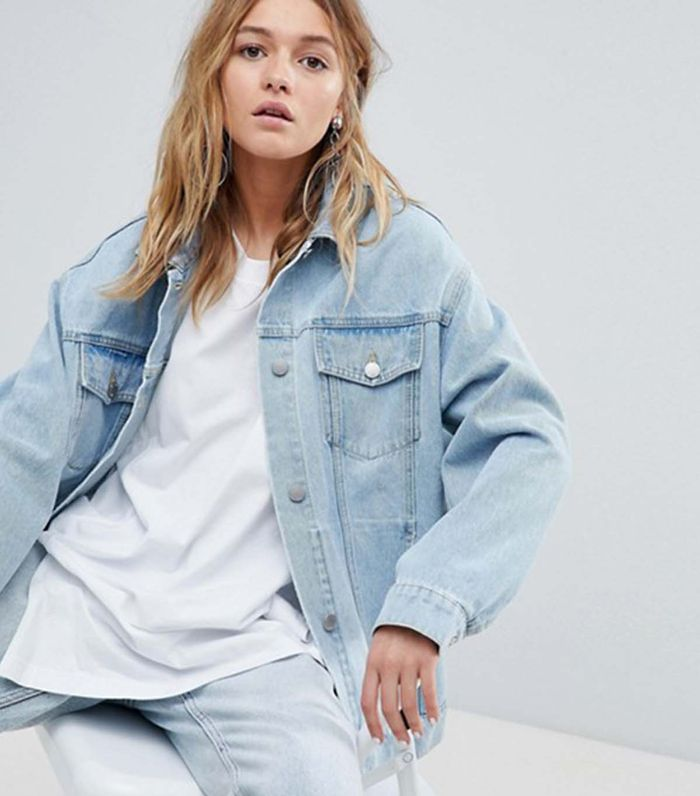 How to Wear the Oversize Denim Jacket Trend  078d60727