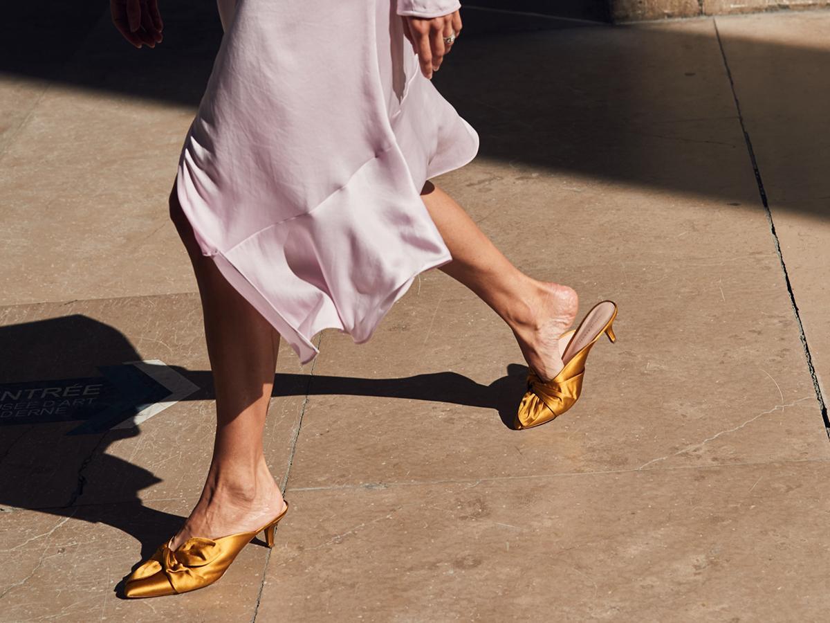 The Secret to Walking Gracefully in Heels: 7 Tricks That Work 6