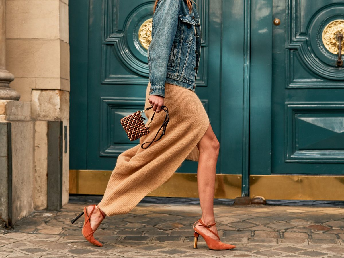 The Secret to Walking Gracefully in Heels: 7 Tricks That Work 10