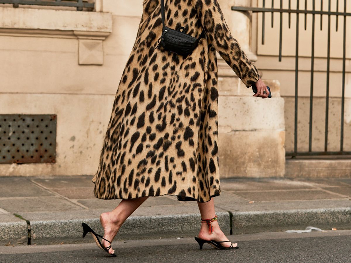 The Secret to Walking Gracefully in Heels: 7 Tricks That Work 18