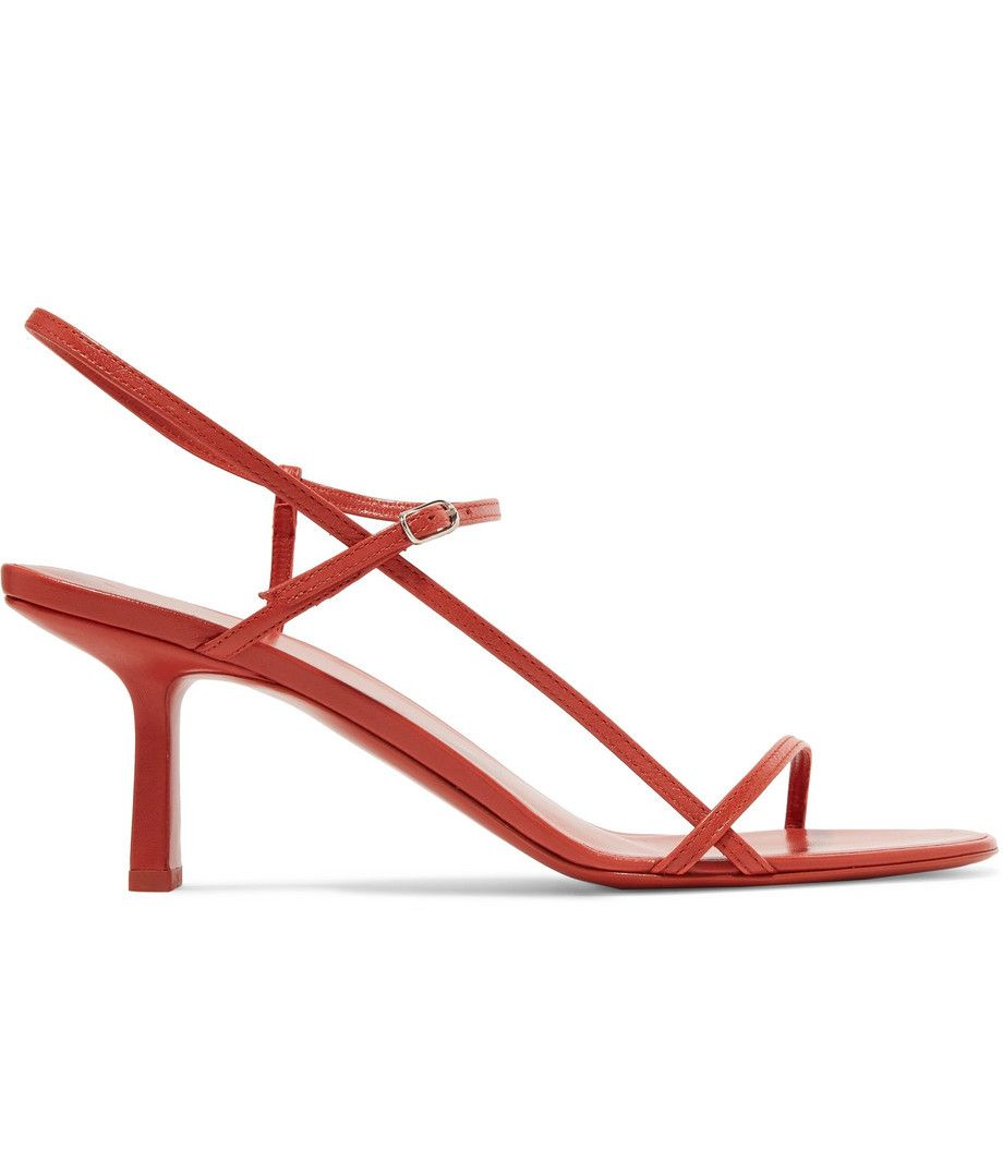 The Secret to Walking Gracefully in Heels: 7 Tricks That Work 27