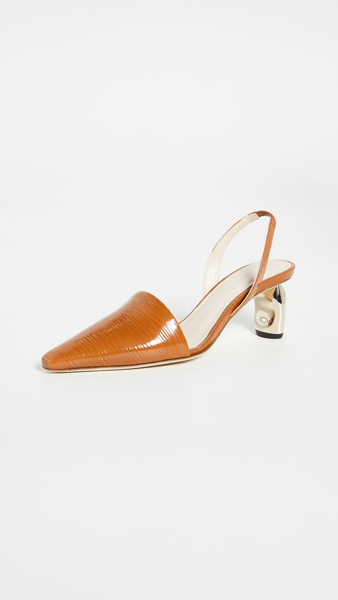 The Secret to Walking Gracefully in Heels: 7 Tricks That Work 13