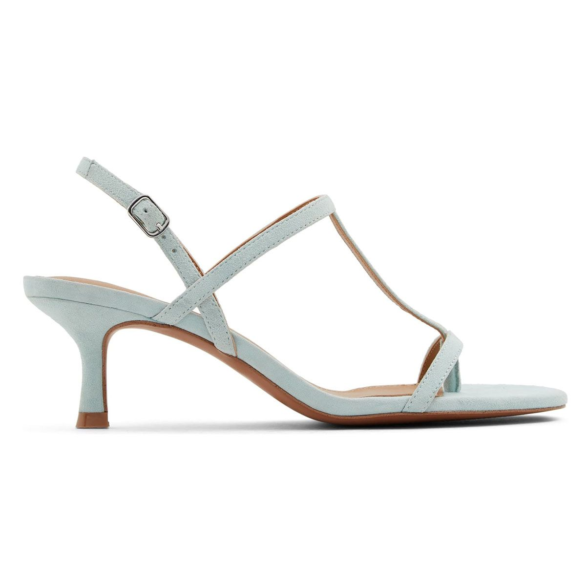 The Secret to Walking Gracefully in Heels: 7 Tricks That Work 28