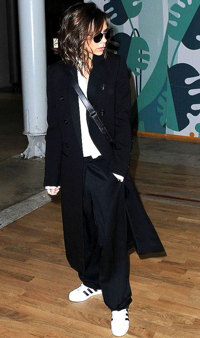 Victoria Beckham S 17 Most Stylish Looks Who What Wear