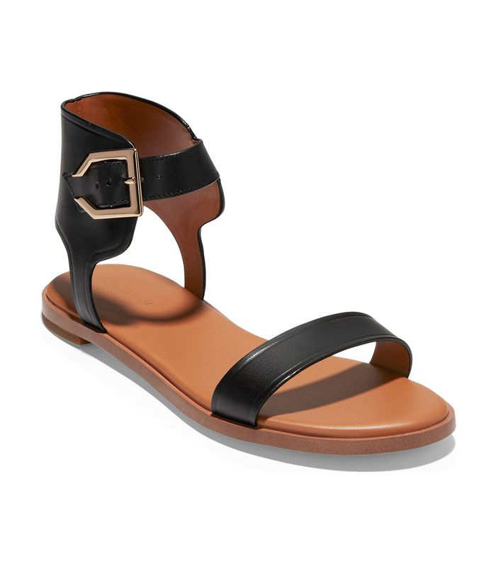 599ea12e369d16 These Are the Most Comfortable Sandals