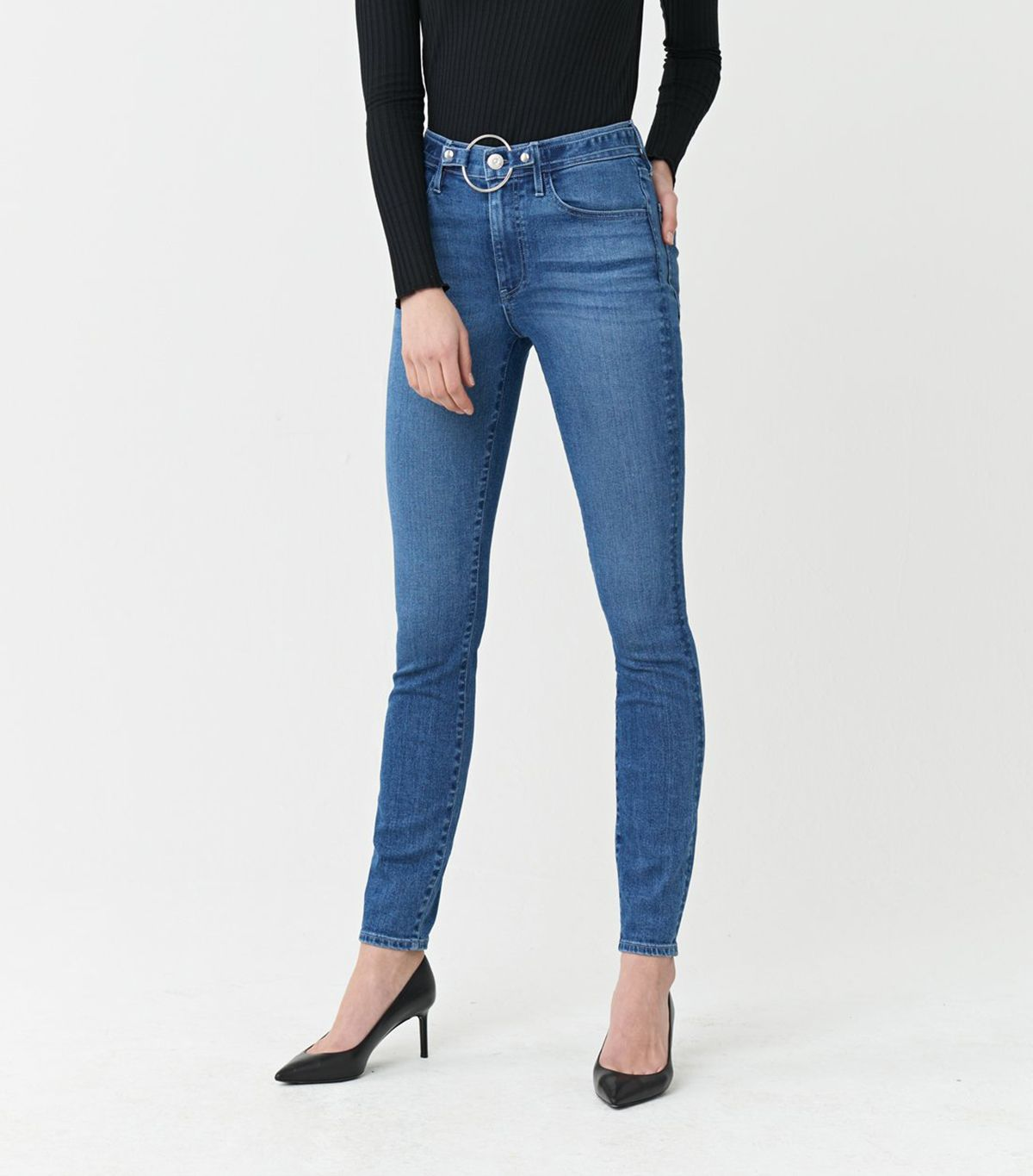 5 Issues Everyone Has With Skinny Jeans (and How to Fix Them) 2