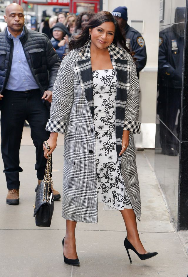 Mindy Kaling outfits 30s