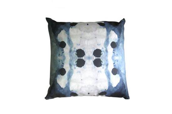 Eskayel Dynasty Pillow