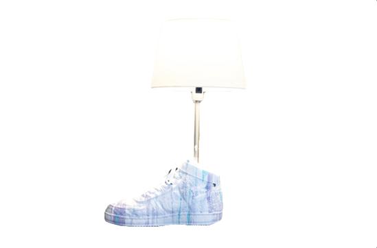 Amara Por Dios Sneakerlamp