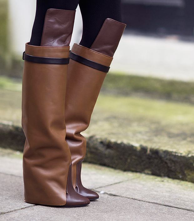 """<p>Style note: Give your look an equestrian vibe with over-the-knee riding boots.</p>  <p>Source: <a href=""""http://le-21eme.com"""" target=""""_blank"""" title=""""Le 21eme"""">Le 21eme</a></p>"""