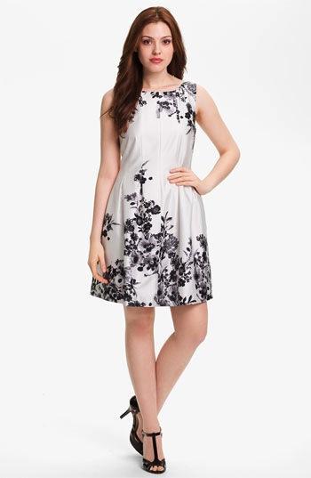 Vince Camuto  Sleeveless Garden Print Dress