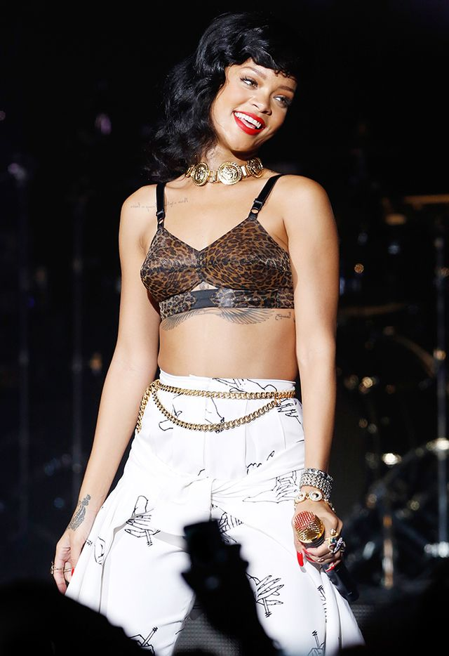 <p><strong>Who:</strong> Rihanna<br />