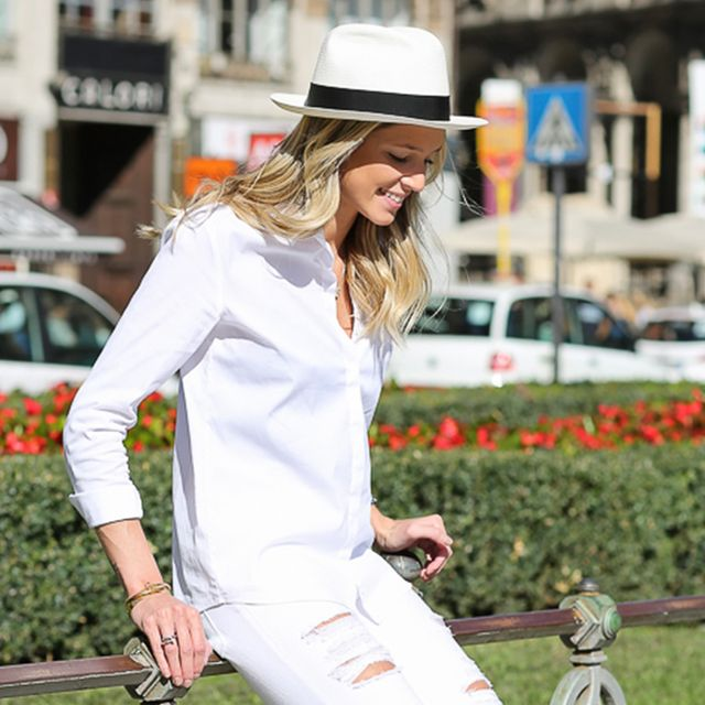 Tip Of The Day: What Shoes To Wear With Your White Jeans