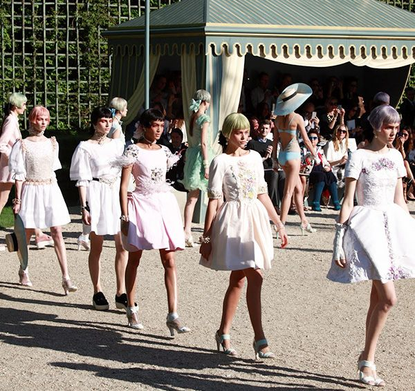 2. When the heck the Resort shows happen—and all the other Fashion Weeks.