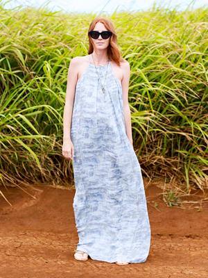 14 Lightweight, Flowy Dresses for a Beach Wedding