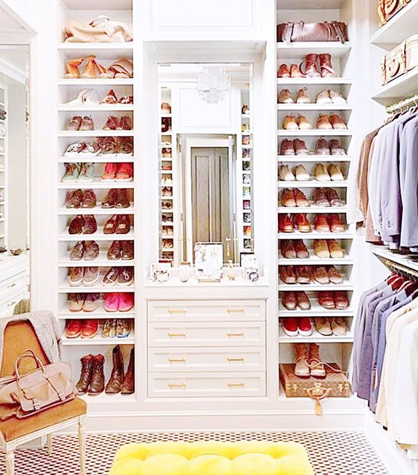 <p><strong>What are some of your favourite ways to organise your closet? Sound off in the comments below!</strong></p>