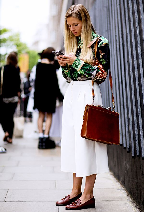 Select a sleek office bag.