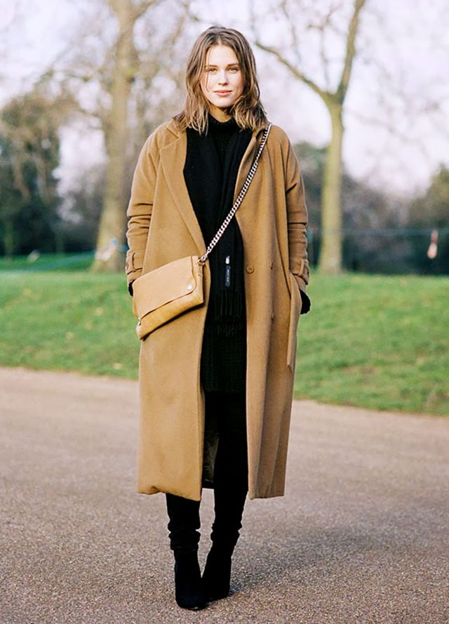 Camel and black: a great colour combination for fall: