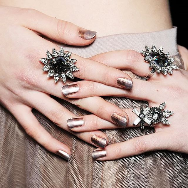 8 Holiday Nail Art Ideas That Aren't Cheesy
