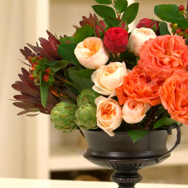 DIY: A Classic Floral Centrepiece