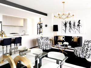 Inside an Ultra-Glam High-Contrast Home