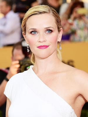 Reese Witherspoon's Hairstylist Shares His Red Carpet Hair Secrets