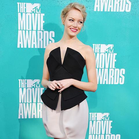 Emma Stone 2012 MTV Movie Awards red carpet