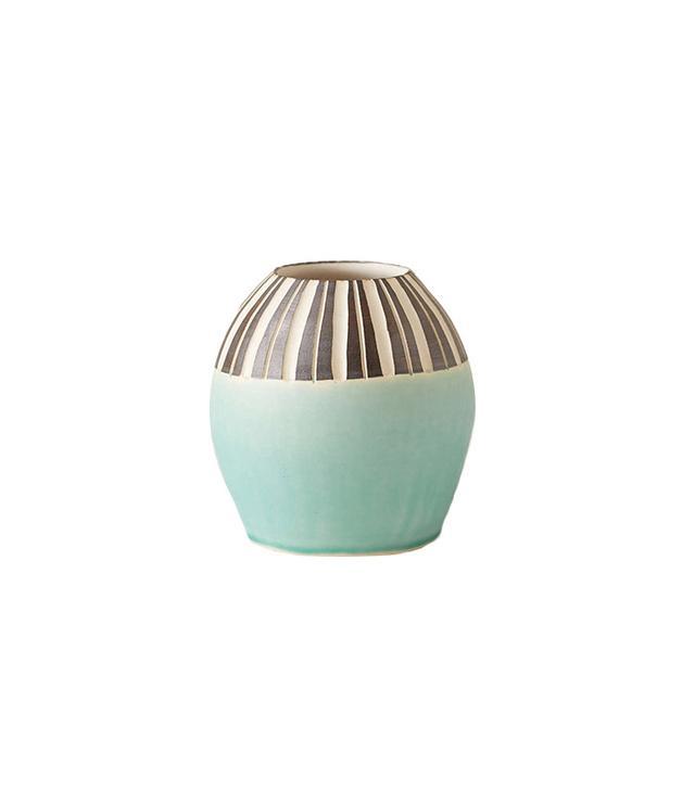 Jessica Wertz X UO Handmade Porcelain Vase