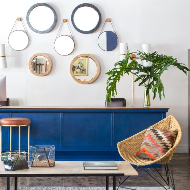 Get the Look: A Breezy, Cobalt Sitting Area