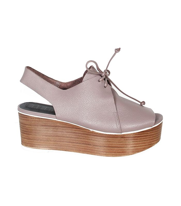 79535ecfc4b0 The Best Shoes to Wear With Flared Jeans