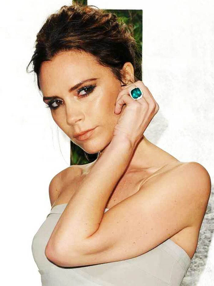Whoa Victoria Beckham Has Upgraded Her Engagement Ring 13