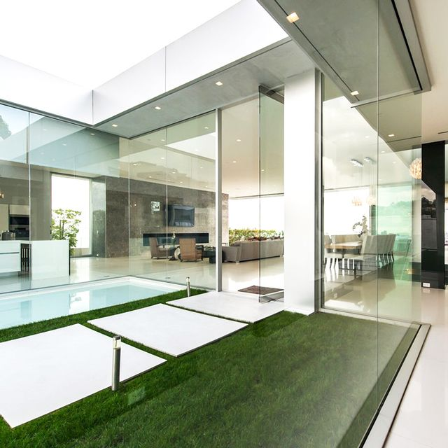 The Winklevoss Twins List Their L.A. Mansion for $110,000/Month