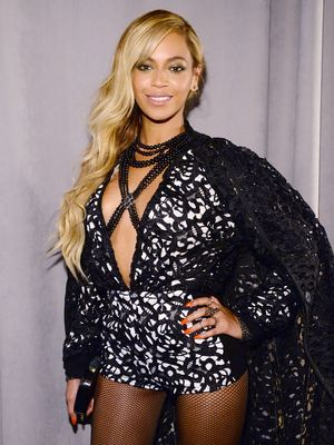 Beyonce's Side-Swept Mermaid Waves, Plus More Celeb Beauty!