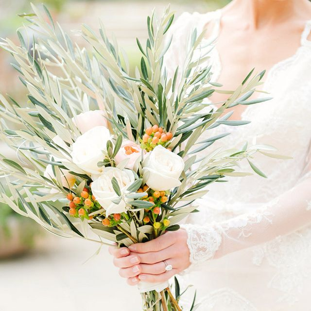 13 Alternative Wedding Bouquet Ideas